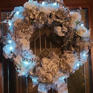Wonderland Wonderful Wreath